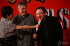 组图:《集结号》首映赵本山精神爽朗到场助阵