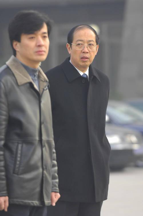 图文:孙道临遗体告别仪式文广集团总裁薛沛建