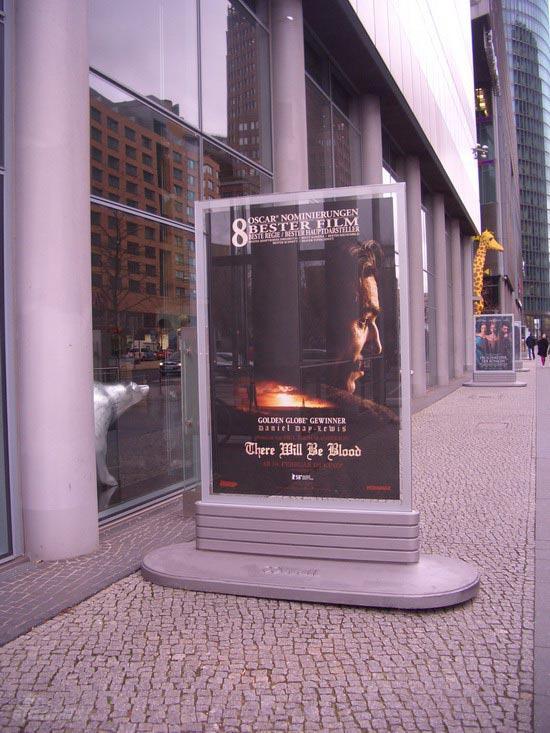 图文:柏林电影节倒计时--《血色将至》的海报
