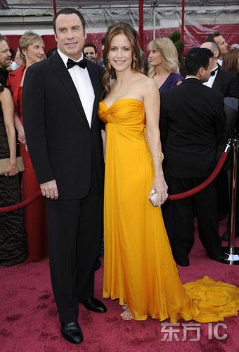 图文:约翰-屈伏塔携娇美妻子亮相红毯