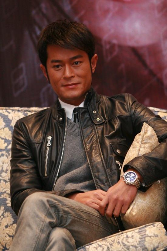 图文:《保持通话》上海首映--古天乐酷帅魅力