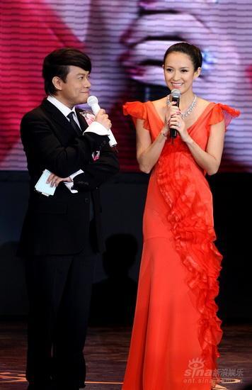 图文:《梅兰芳》首映庆典--章子怡妙语应答蔡康永