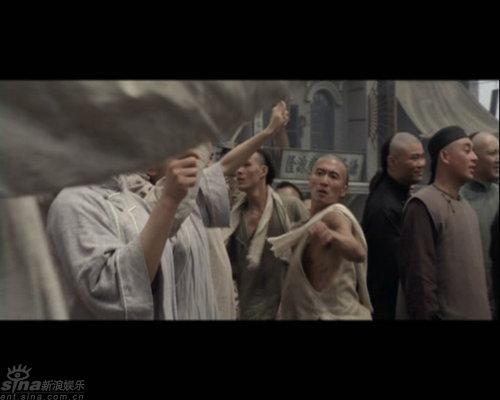 """图文:《十月围城》剧照--""""车夫""""谢霆锋"""