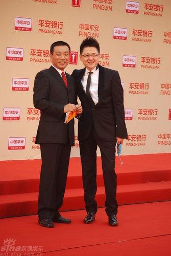 图文:上海电影节开幕--江平金纬合影