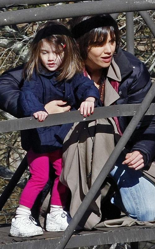 图文:凯蒂母女在澳洲--凯蒂苏瑞玩捉迷藏?