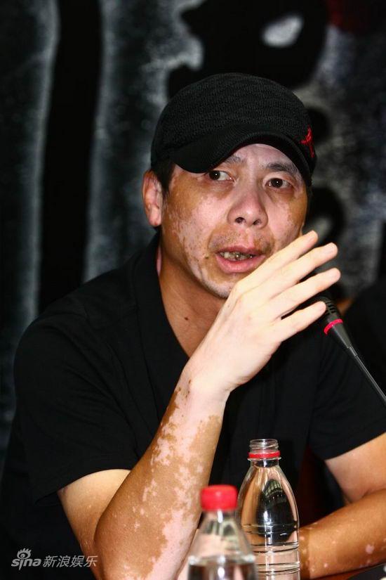 图文:《地震》见面会-冯小刚誓夺五亿票房