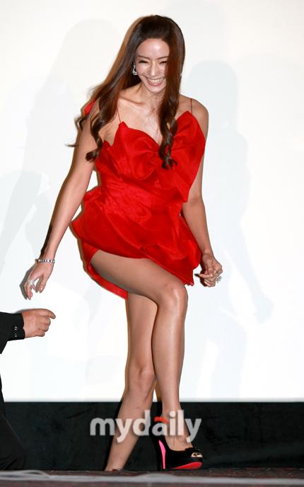 盘点韩国釜山电影节红毯女星 - 老婆骑马我赶驴 - 博宇宙经纬,易天地春秋
