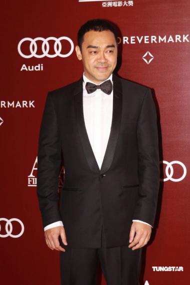 图文:亚洲电影大奖--刘青云面露微笑