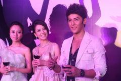 《紫宅》办假面派对汪东城佟丽娅表演贴面热舞