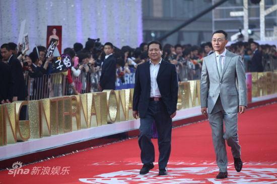 华夏董事长谷国庆(左)光线总裁王长田