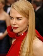 第79届奥斯卡金像奖-妮可-基德曼红礼服显庄重