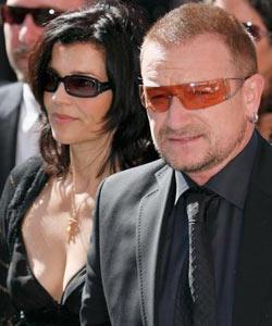 U2主唱Bono及妻子悼念帕瓦罗蒂