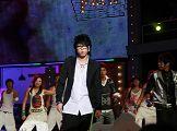 2007我型我秀总决选,俞思远摆酷演唱
