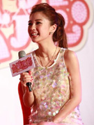 Angelababy青涩笑容