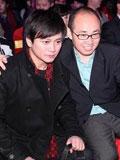 李承鹏(左)与潘石屹合影
