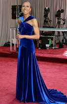 罗宾-罗伯茨蓝色长裙