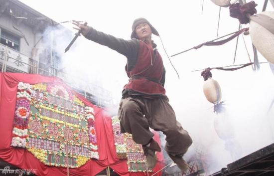 解密李宇春在《十月围城》中的从影第一次(图)