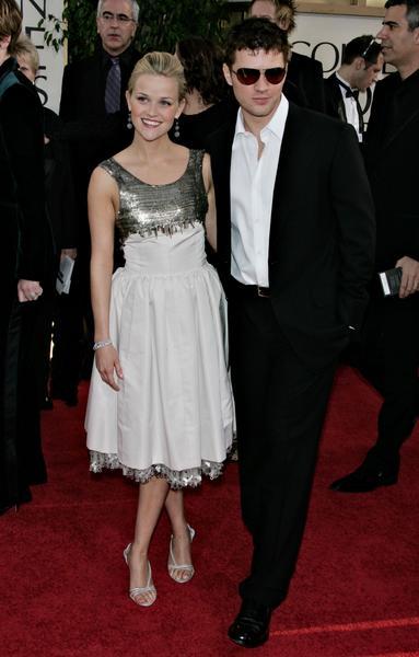 盘点07好莱坞女星红地毯秀--瑞茜-威瑟斯彭