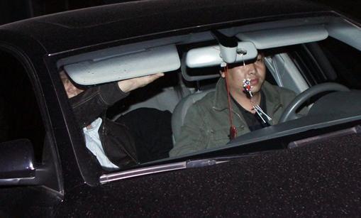 孙兴疑似在车中