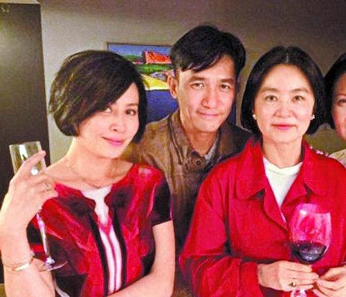 笑脸吉他谱全-中新网6月29日电 据台湾《苹果日报》消息,梁朝伟前天过50岁生日,
