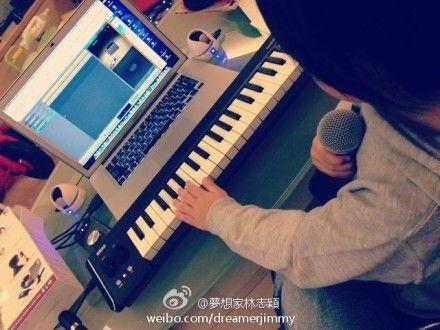 林志颖儿子弹琴录音变唱作歌手