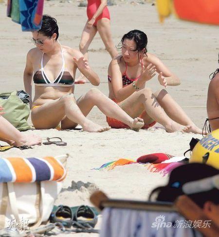 小龙女吴卓林还没到14岁,但已亭亭玉立,相信将来比妈妈吴绮莉更高。