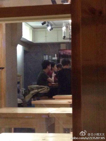 王菲谢霆锋外出就餐