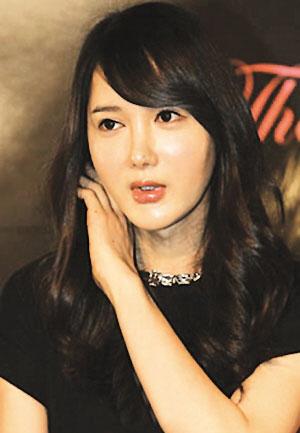 明星全接触 正文  ) 2》的韩国变性艺人李诗妍(本名李大鹤)在接受变性