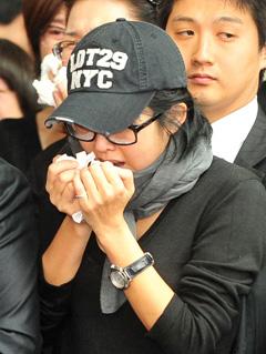崔真实否认曾借安在焕25亿韩元高利贷致其自杀