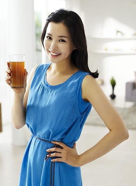 韩星李哈妮代言减肥产品a瑜伽靓丽(图)简单瘦身瑜伽妈妈_动作网小百科图片