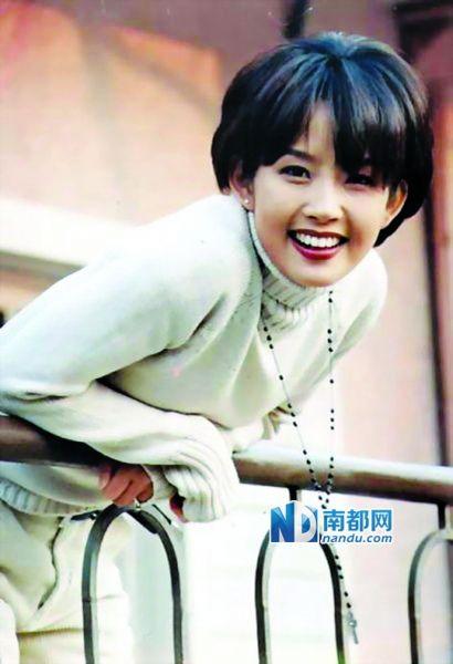 韩国女星崔真实