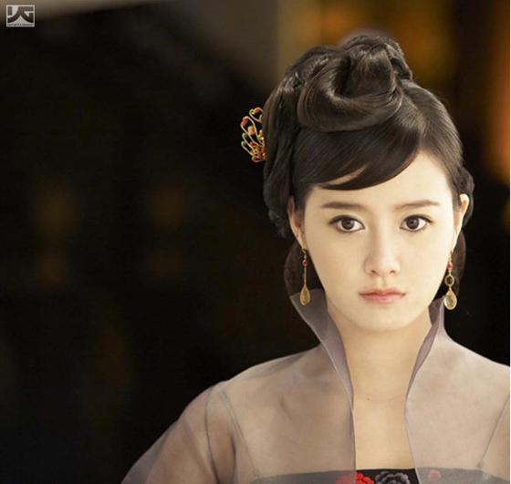组图:韩国网络美女具惠善着薄纱变身性感艺伎