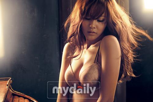 组图:韩国女歌手Ivy内衣广告照无限诱惑风情