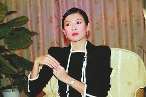 章子怡回应捐款事件首次表态后网友不买帐(图)