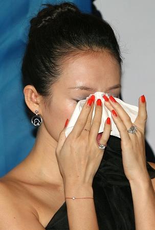 章子怡代言掉一半损失亿元幕后团队可能大换血