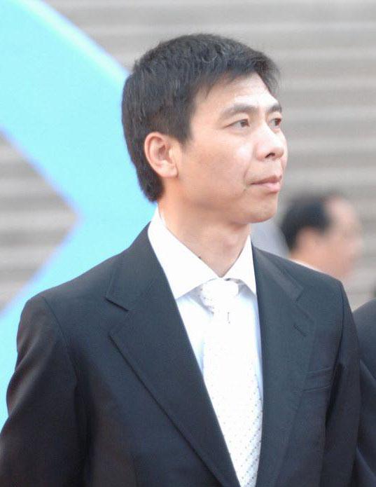 """冯小刚微博呼吁恢复繁体字""""亲""""和""""爱"""""""