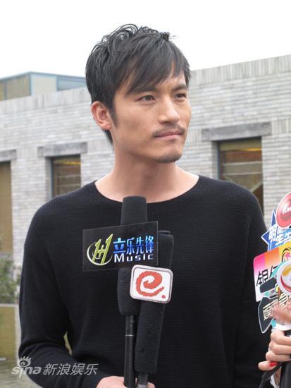 耿乐受国际品牌青睐拍摄艺术短片