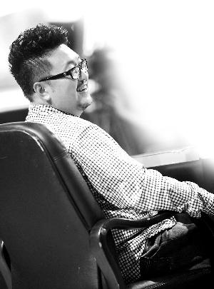 德昭感慨当下的喜剧演员青黄不接-谷德昭广州担任挑选女主角 叹香图片