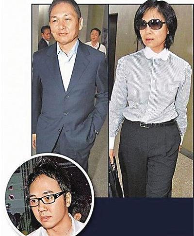 李宗瑞父母和淫少李宗瑞(左下)