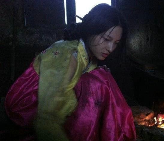 岳辛被误认为朝鲜女难民的照片