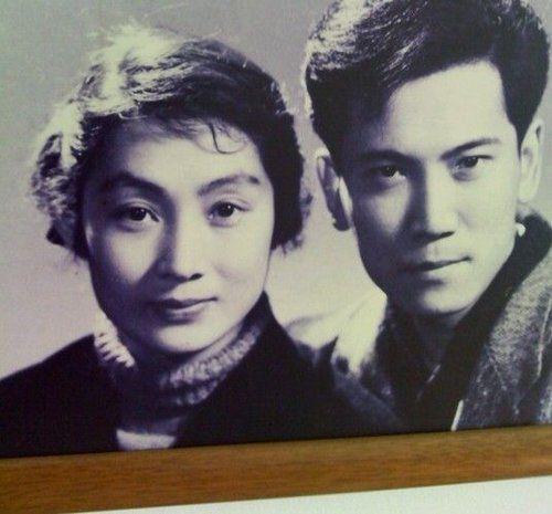 (4)在10部国产影片饰演角色,如《暴风中的雄鹰》《三进山城》《吉鸿昌