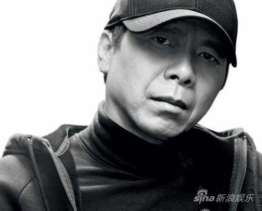 """从2008年开始,导演冯小刚已经连续六年当选全国政协委员,一向敢说敢言的他被外界冠以""""小钢炮""""称号。"""
