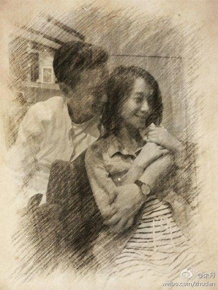 朱丹32岁生日晒与男友周一围亲密合影