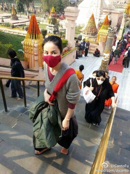 网友在印度发现王菲踪迹