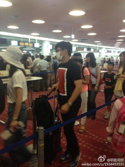 吴奇隆刘诗诗机场排队