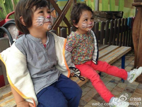 刘烨一对可爱的混血儿女