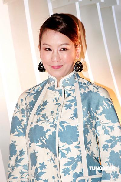图文:上海滩春夏时装展--陈冠希胞姐陈见飞