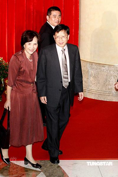 图文:郭台铭迎娶曾馨莹--刘兆玄夫妇