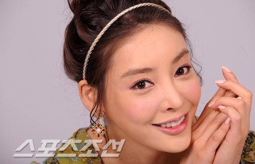 图文:张紫妍生前美丽瞬间-精致脸庞