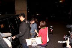 组图:张柏芝抱儿子赴台游玩与大S等吃麻辣锅